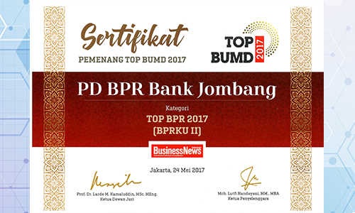 bank-jombang-raih-penghargaan-top-BPR-2017-oleh-business-News-2017