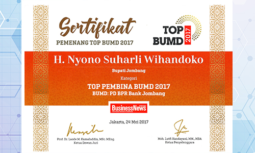 bank-jombang-raih-top-pembina-bumd-2017-oleh-business-news